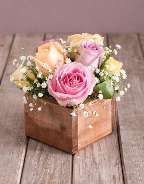 anniversary: Dainty Pastel Rose Arrangement!