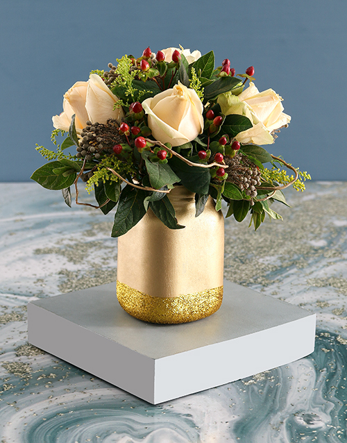 christmas: Cream Roses with Hypericum in Gold Jar!