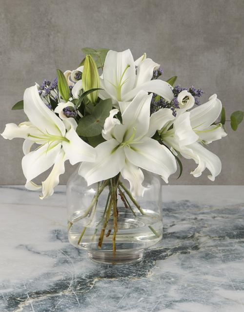 vase: Modern Lily Arrangement!