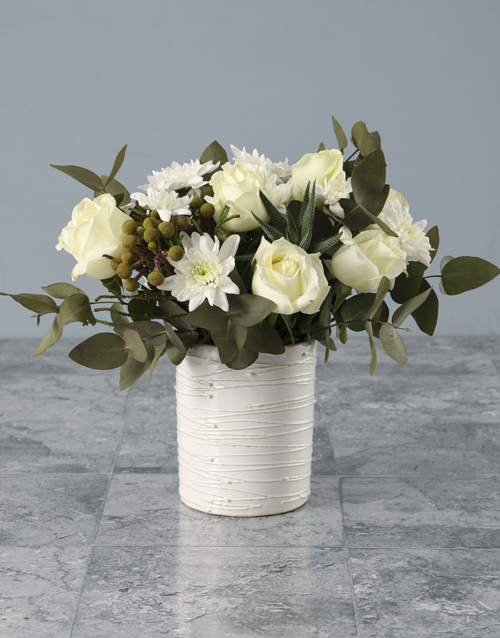 coloured-vases: Pristine And Polished Mixed Arrangement!