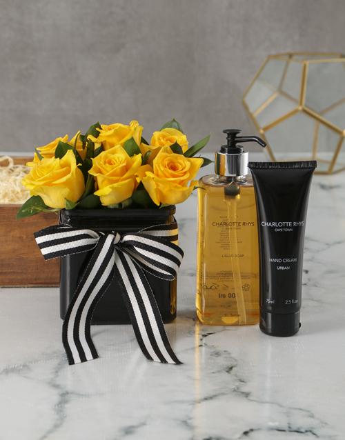 vase: Luxury Sunshine Rose Bouquet!