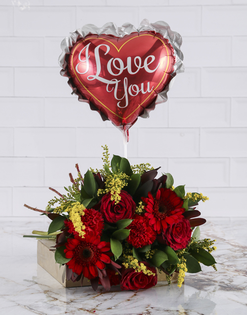 balloon: Romantic Red Blooms With A Balloon!