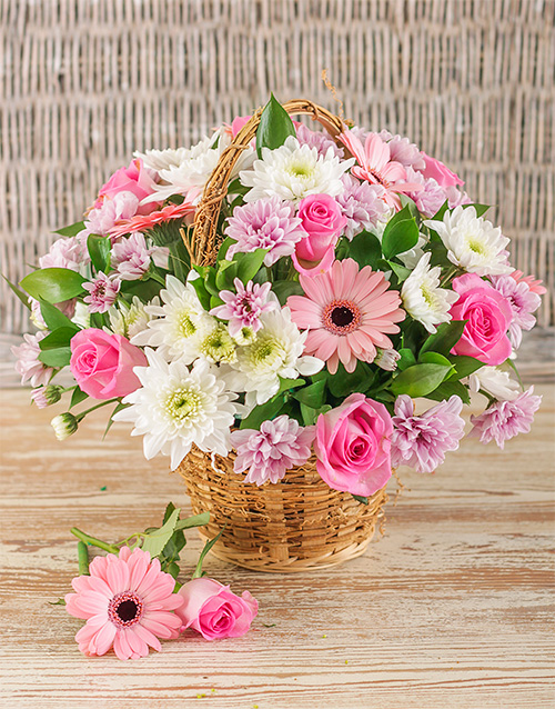 baskets: Mixed Pink Basket Display!