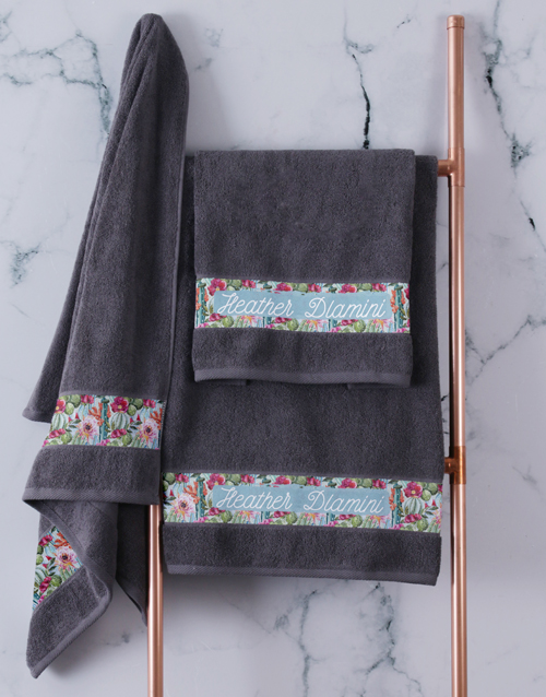 christmas: Personalised Botanical Charcoal Towel Set!