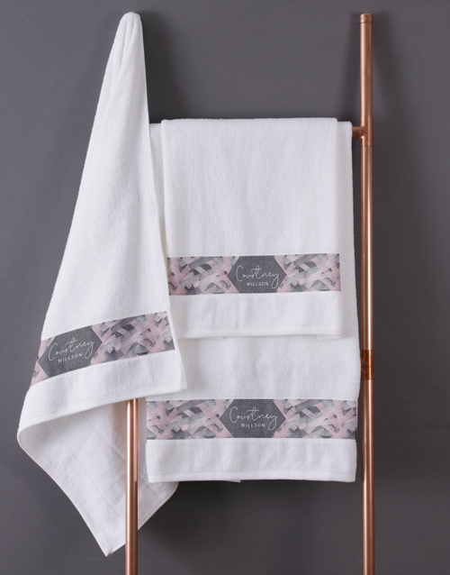christmas: Personalised Geometric Print White Towel Set!