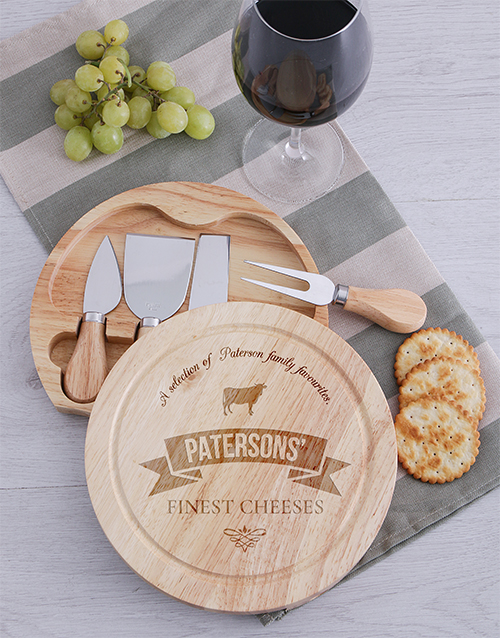 christmas: Personalised Finest Cheeseboard and Knives!