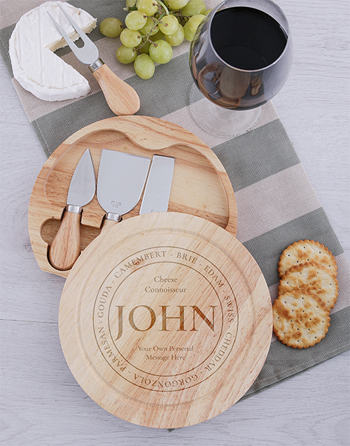 christmas: Personalised Connoiseur Cheeseboard and Knives!