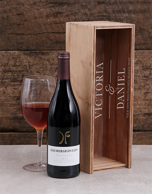 fine-alcohol: Personalised Couples Wine Crate!