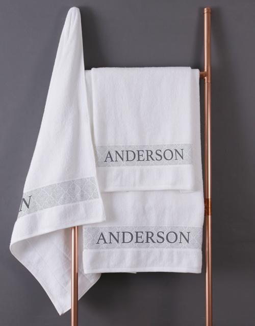 christmas: Personalised Scroll White Bath Towel Set!