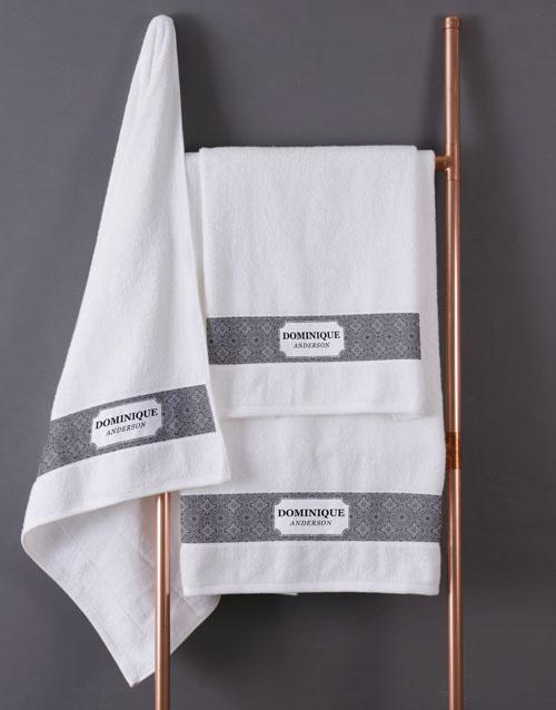 christmas: Personalised Damask White Towel Set!