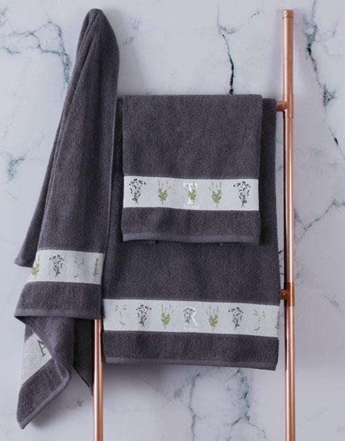 christmas: Personalised Green Leaves Charcoal Towel Set!