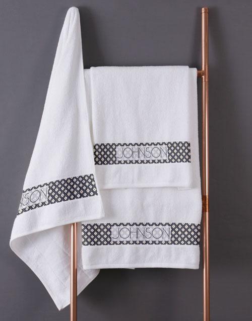 christmas: Personalised Glam Ethnic White Towel Set!