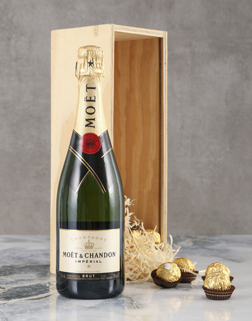love-and-romance: Marvellous Moet Brut Crate!