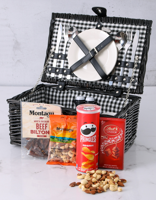 year-end: Snackers Picnic Basket!