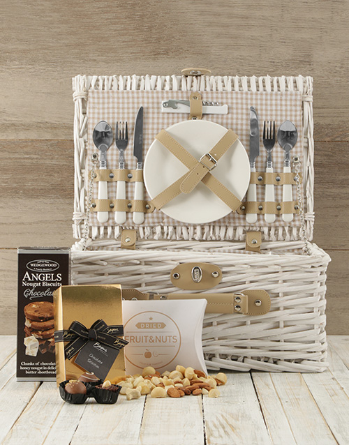 fathers-day: Made in Heaven Picnic Basket!