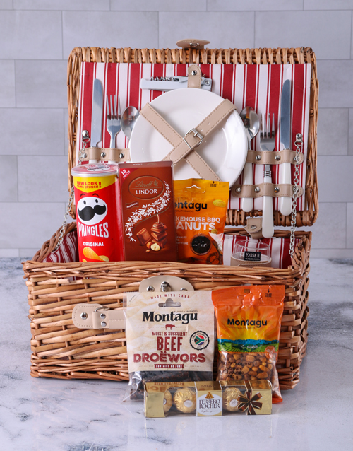 year-end: Crunch and Wors Picnic Basket!