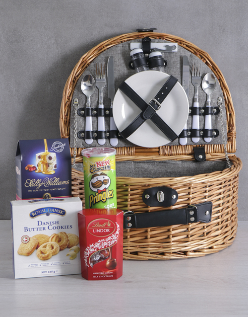 valentines-day: Snackers Riviera Picnic Basket!