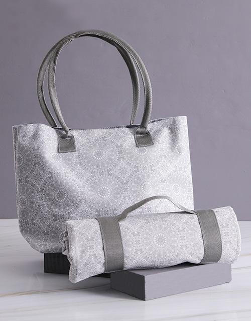 apparel: Grey Damask Bag With Mat!
