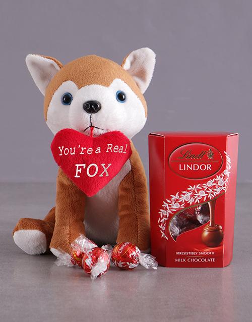love-and-romance: Fox Plush And Chocolate Hamper!