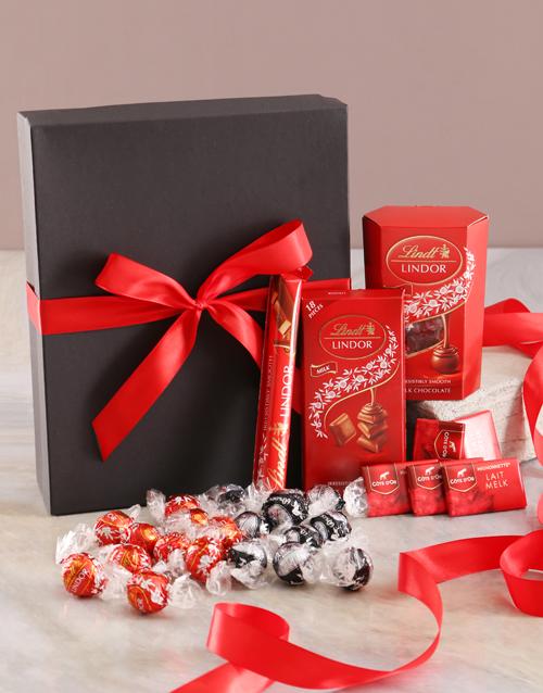 valentines-day: Ravishing Red And Black Chocolate Box!