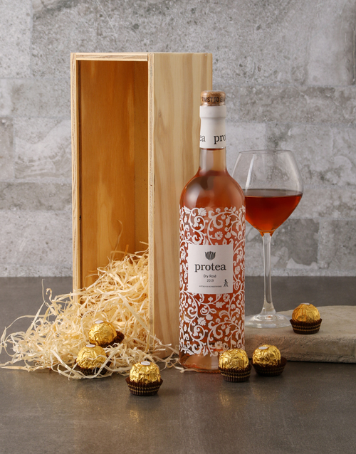 mothers-day: Protea and Ferrero Rocher Gift Box!