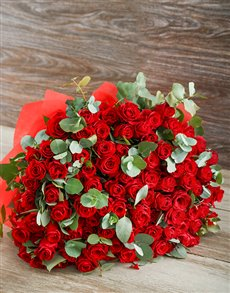 flowers: 100 Red Rose Extravaganza!