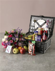 flowers: Traditional Fruit Picnic Basket and Bouquet!
