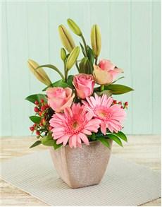 flowers: Pink Flower Arrangement!
