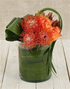 flowers: Pincushion & Rose Floral Arrangement!
