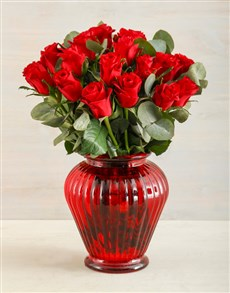 flowers: Rich Red Roses in a Vase!