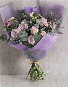 flowers: Blushing Bouquet!