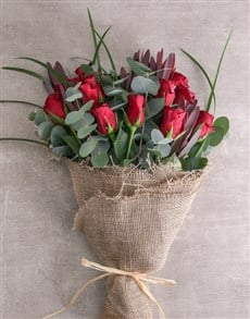flowers: Rustic Red Roses !