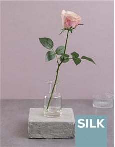 flowers: Single Silk Rose in a Clear Vase!