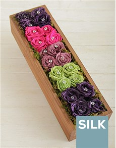 flowers: Rainbow Roses in a Box!