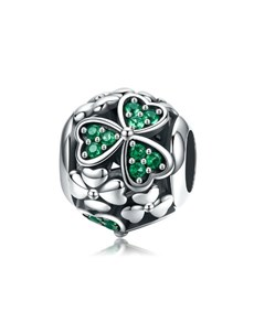 gifts: Green Clover Bead Charm!