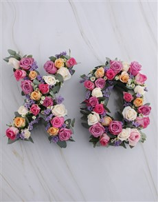 gifts: X and O Mixed Rose Wreath!