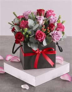 flowers: Vibrant Mixed Roses in Hatbox!