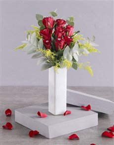 flowers: Diamanted Red Roses in Tall Vase!