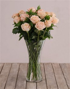 flowers: Flair of Peach with Roses in a Vase!
