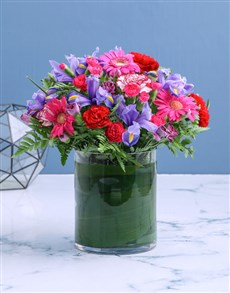 flowers: Bright and Cheerful Vase of Blooms!
