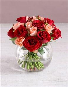 flowers: Romantic Roses in Fish Bowl!