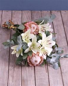 flowers: Pretty Protea Bouquet!