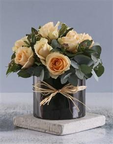 flowers: Peach Roses In Black Round Box!