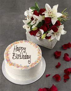 flowers: Red And White Sponge Cake Surprise!