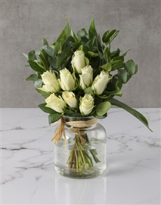 flowers: White Roses In Clear Vase!