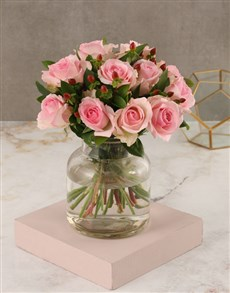 flowers: Pink Rose Vase Arrangement!
