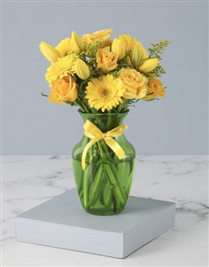 flowers: Youthful Yellow Tulips in Vase!