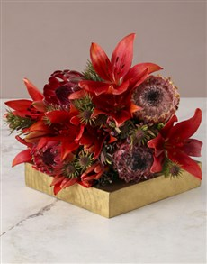 gifts: Passionate Proteas With Lilies!