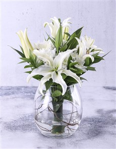 flowers: Delightful Lilies In A Fishbowl!