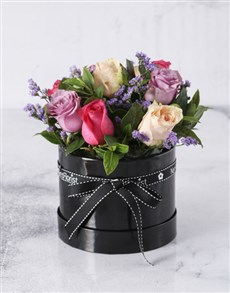 flowers: Pretty Boxed Pastel Roses!